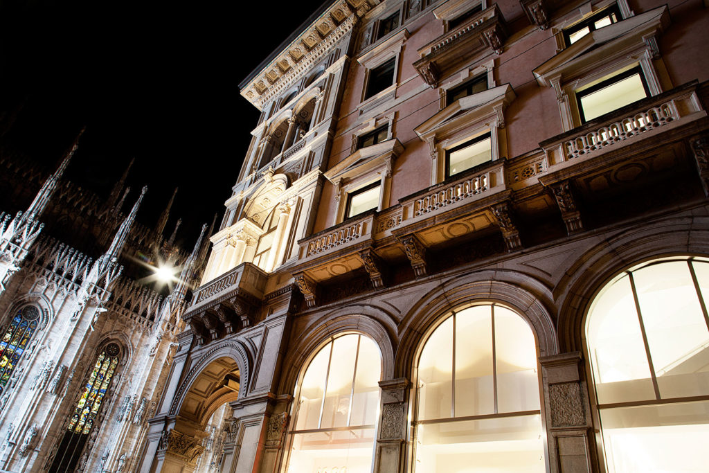 H&m STORE DUOMO by SCE Project