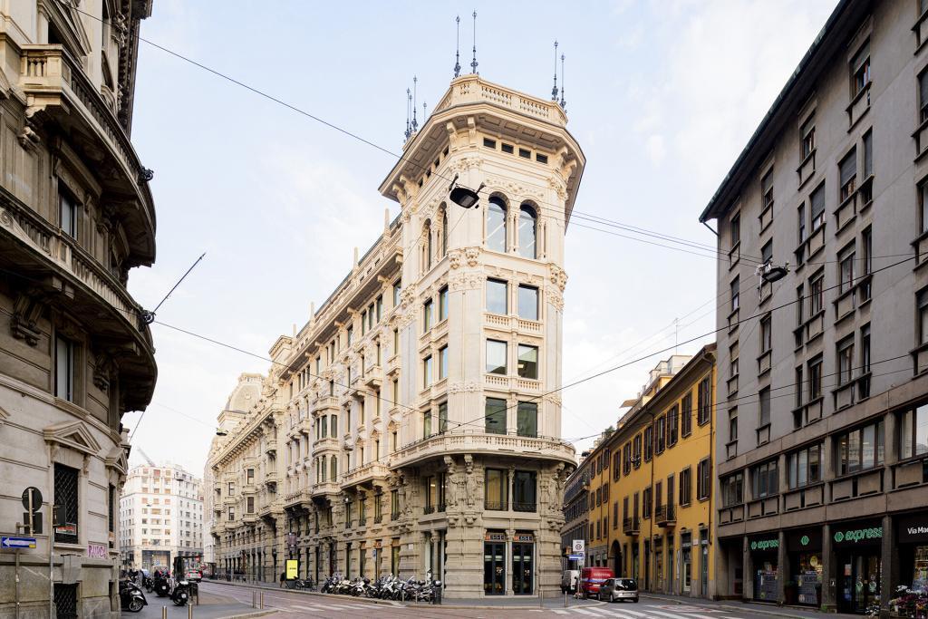 The Angle Palazzo Meroni Corso Italia
